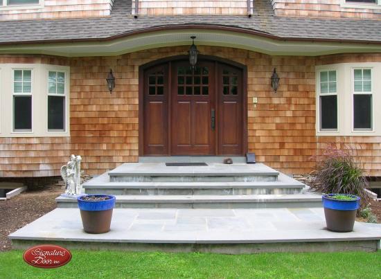 Signature Door Single Arch-Top Entry Door with Sidelites